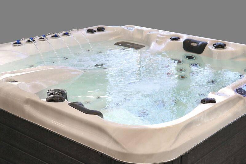 Passion spas montpellier montpellier languedoc piscines freedom sp cialiste de la piscine - Piscine spa montpellier ...