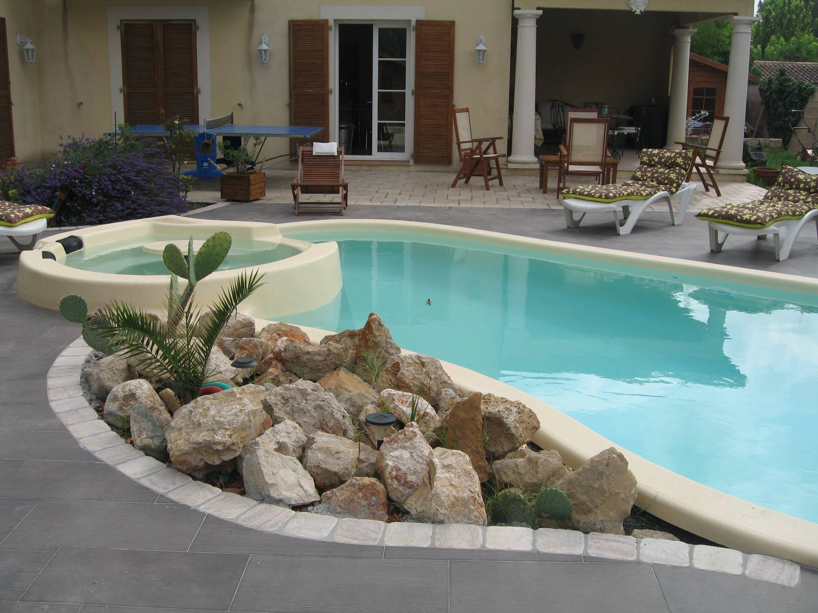 Piscine coque polyester mod le tropicana spa sp cialiste de la piscine coque montpellier - Piscine spa montpellier ...