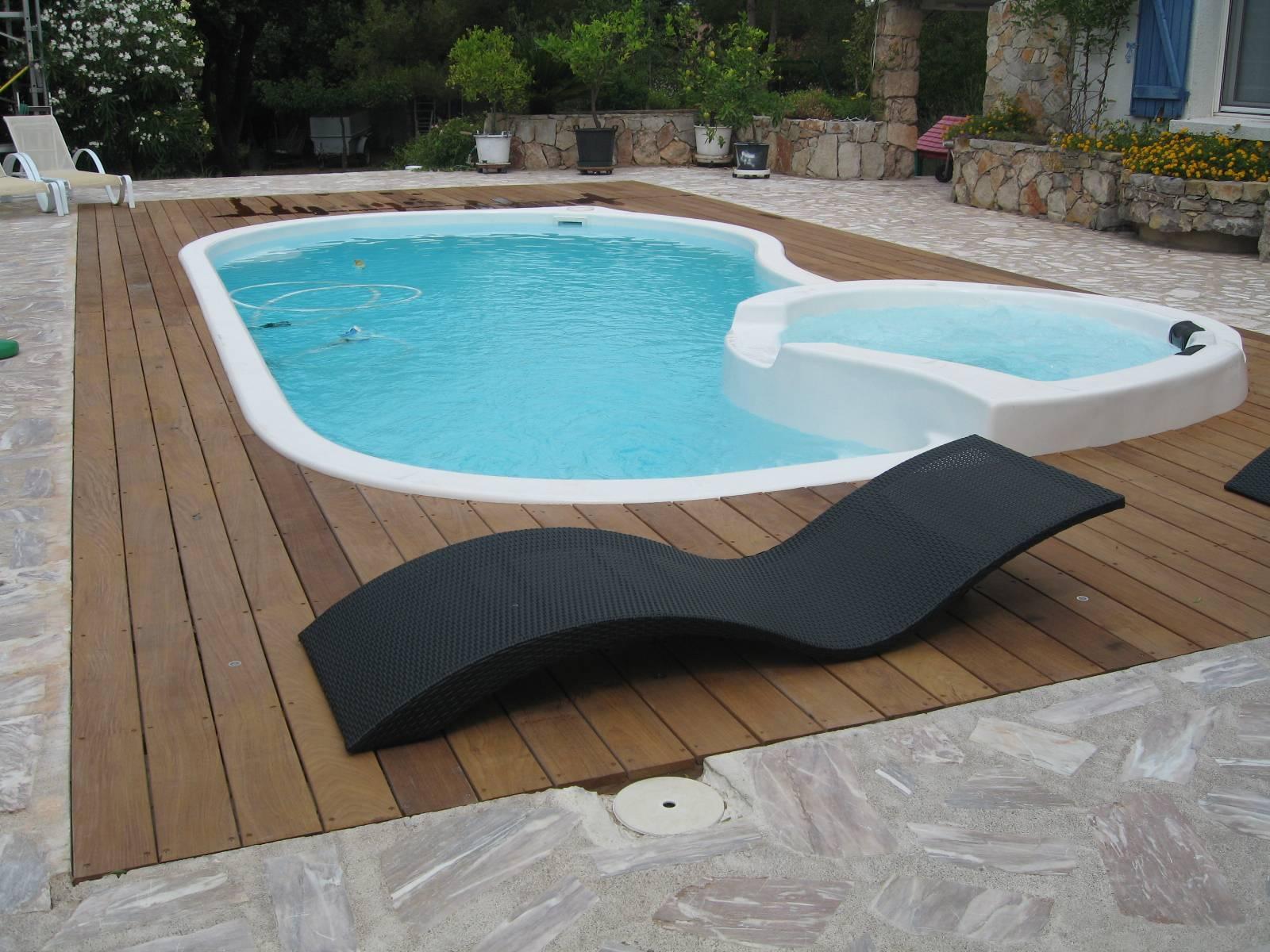 Piscine Coque Polyester Modele Tropicana Spa Specialiste De La