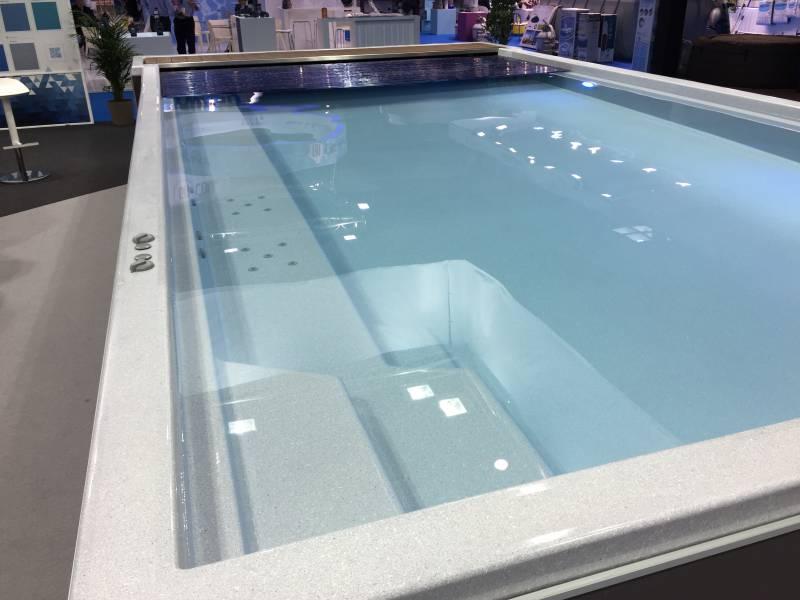 Fabricant piscine coque montpellier freedom piscines for Piscine coque a debordement