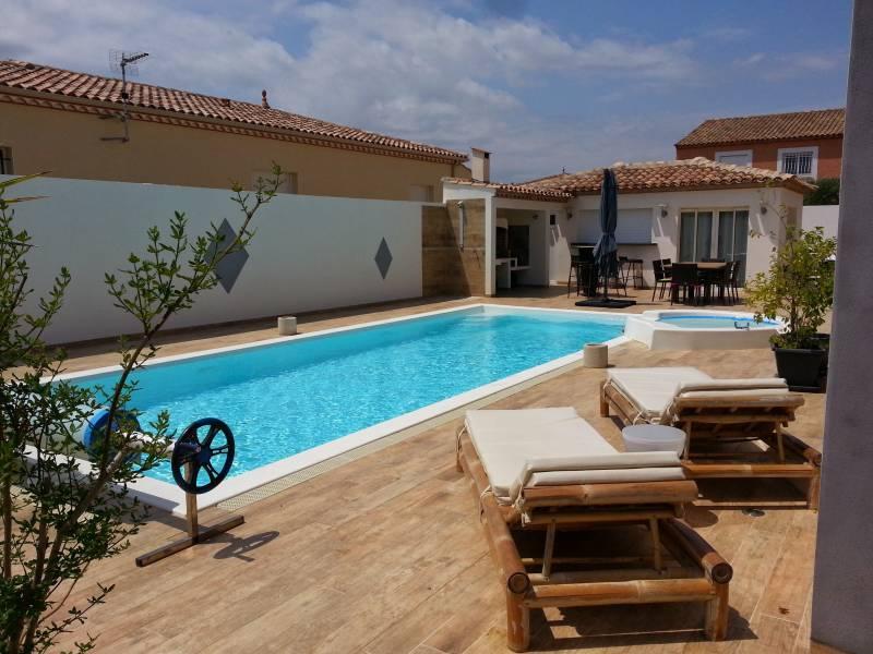 Piscines coque montpellier piscines freedom sp cialiste for Piscine coque montpellier