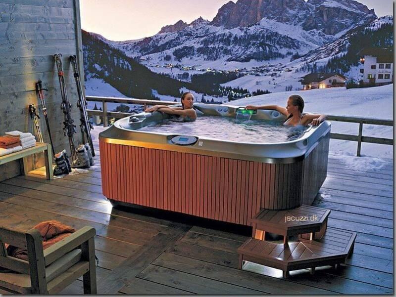Spas jacuzzis nimes piscine freedom sp cialiste de la for Accessoire piscine nimes